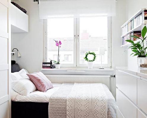 Simple Small Bedroom Arrangement