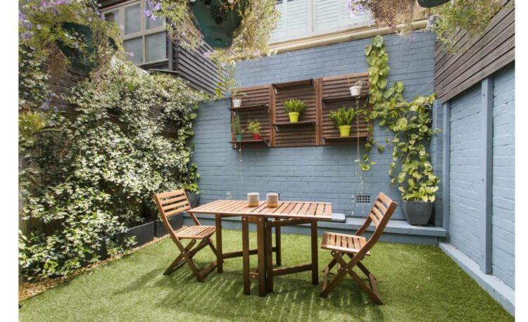 12 Ideas Make a Small Garden Look Bigger
