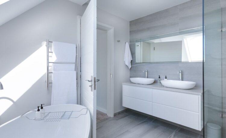 Expert Bathroom Lighting Design Tips 1