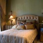 9 Guest Bedroom Essentials Must Have!
